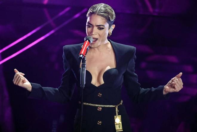 Sanremo 2020: Per adesso vince Elodie e Anastasio, sorpresa Leo Gassmann e Tecla tra i giovani