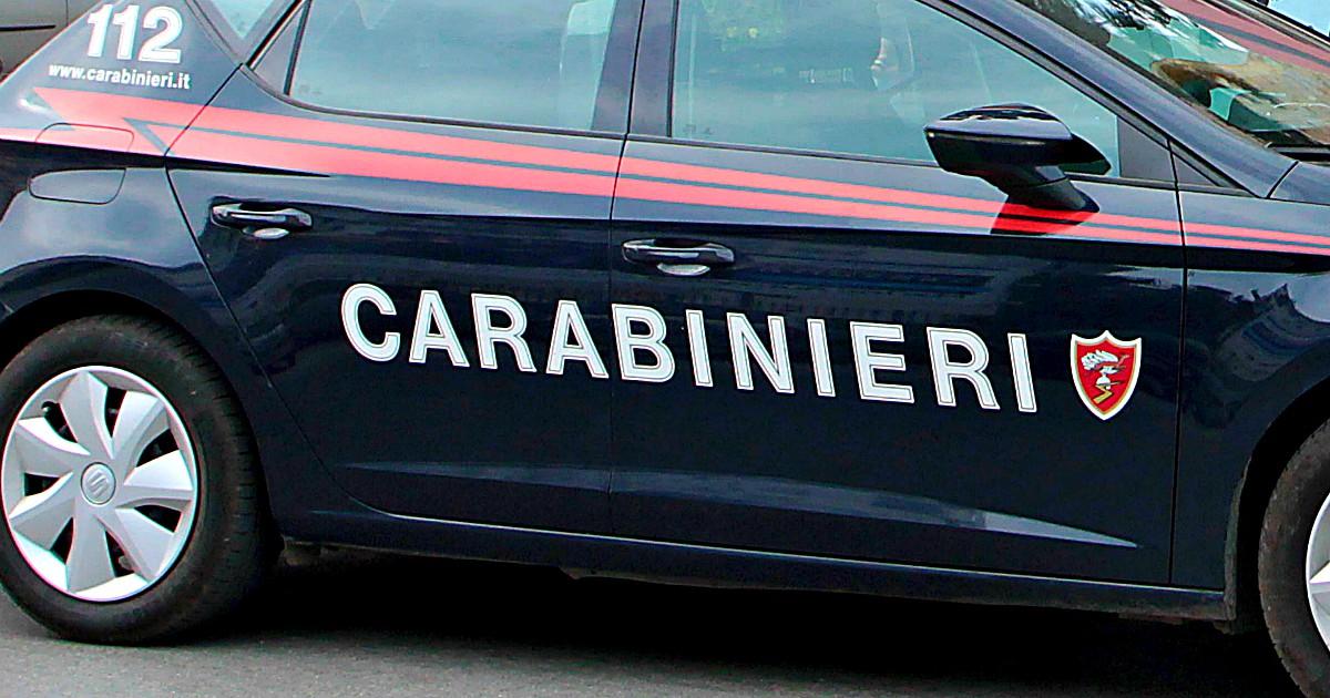 15enne tenta rapina con una pistola finta : Carabiniere spara e lo uccide