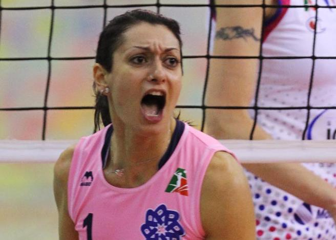 La pallavolista Lara Lugli : Incinta e licenziata... Umiliata