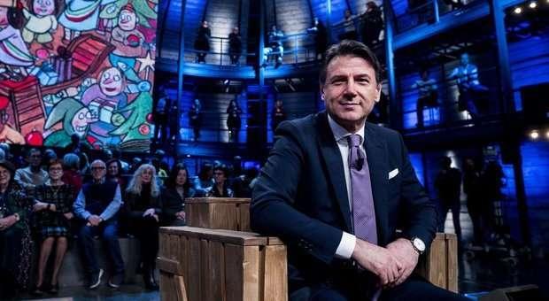 Giuseppe Conte a La7 : Fino a 2.000 euro di bonus per chi pagherà con le carte