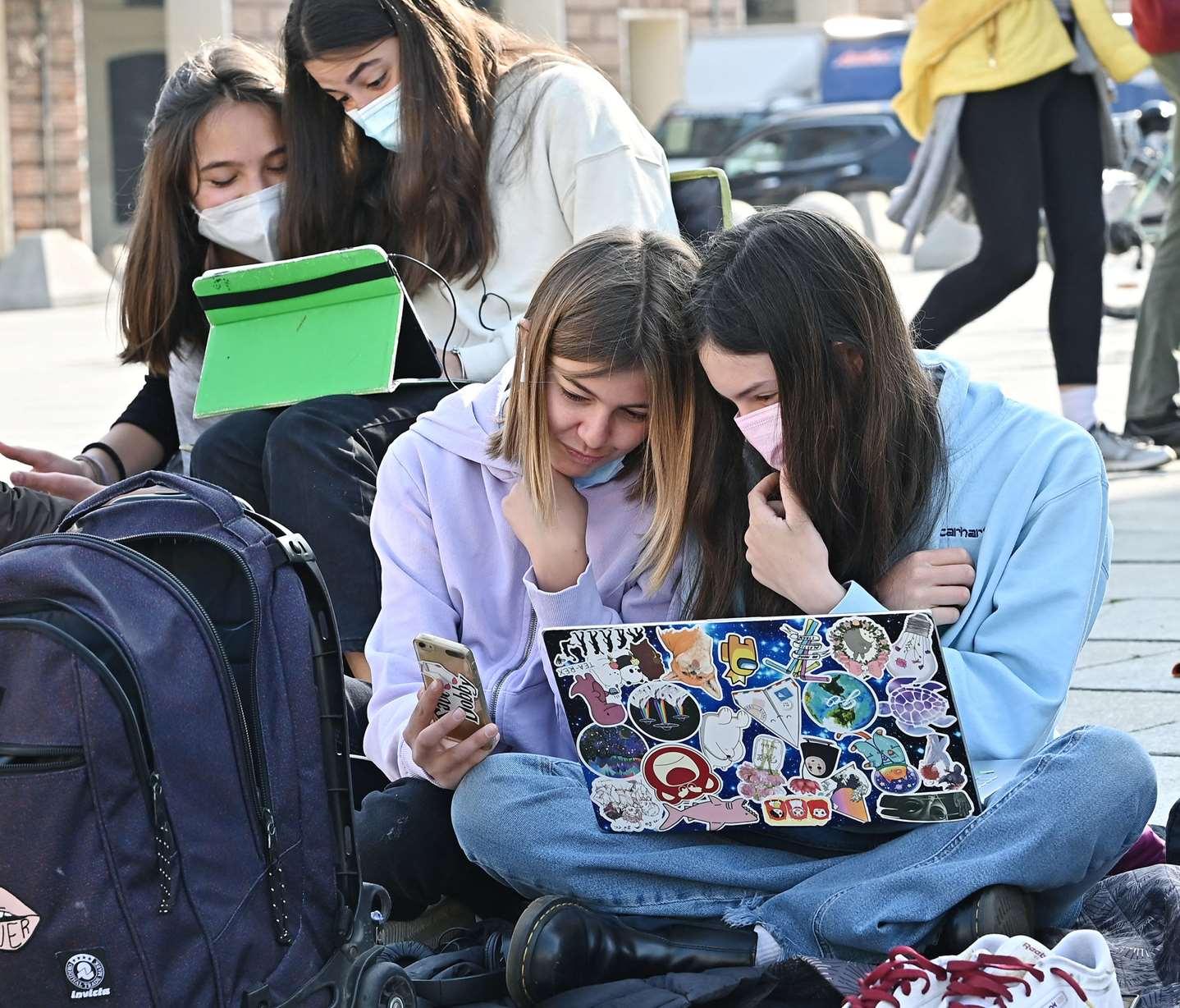Oggi si torna a Scuola : in classe 5,6 milioni studenti