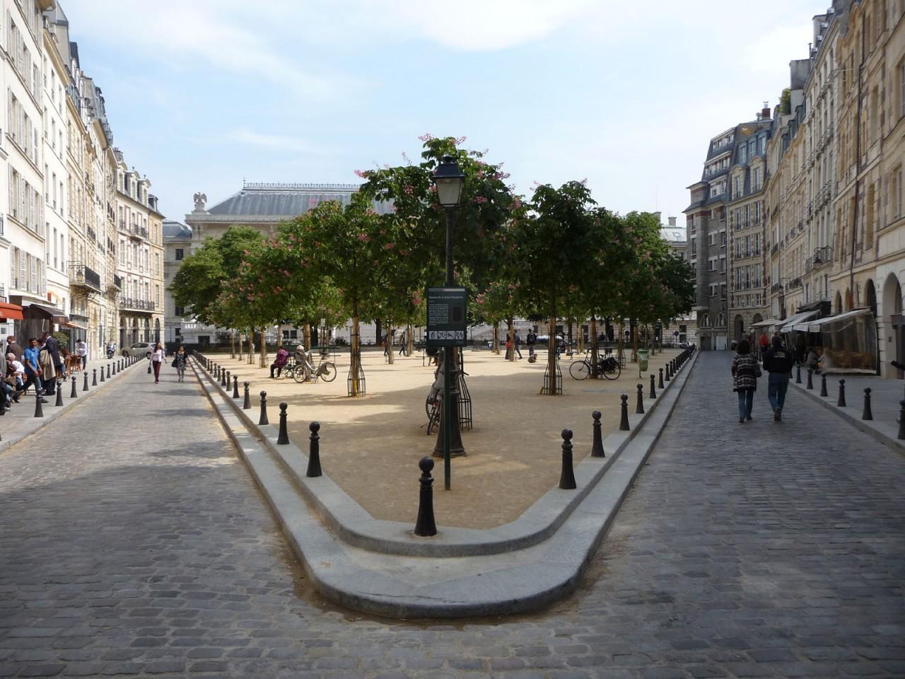Place Dauphine : La piazza dalla una curiosa forma triangolare | Curiosità