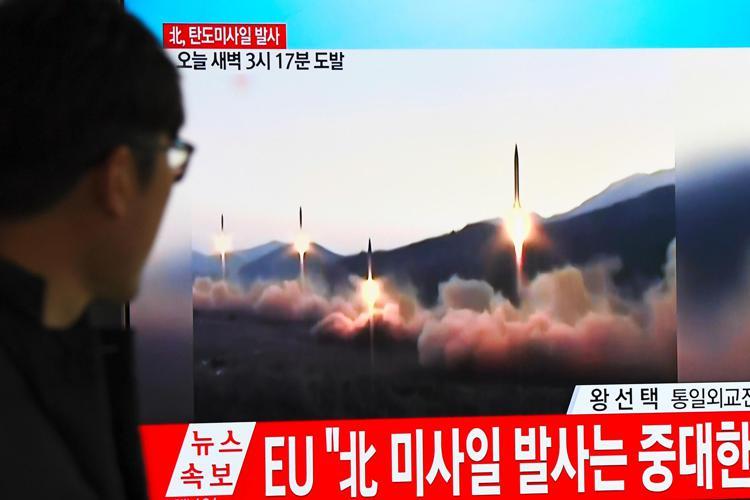 La Corea del Nord ha lanciato due missili in mare