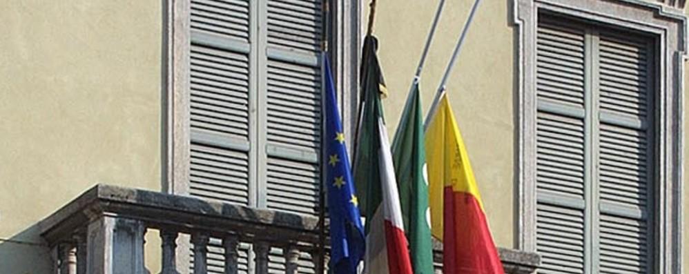 Oggi alle 12 in tutta Italia: bandiere mezz'asta e un minuto di silenzio per vittime del coronavirus
