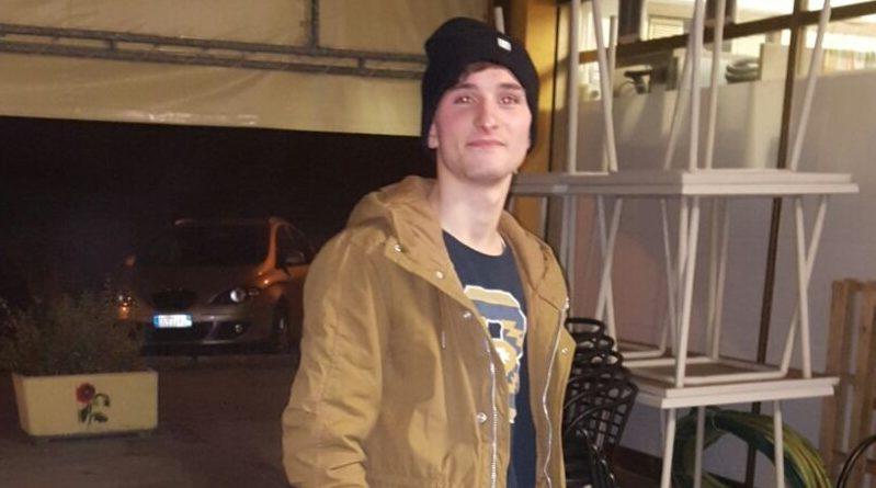Finisce contro un muretto: Patrick Mencoboni muore a soli 24 anni, ferito Nicolò Uguccioni