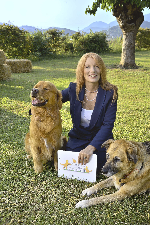 Dalla parte degli Animali :  la storia di Peppino orfano da covid e i cinque cani di Fabio Testi