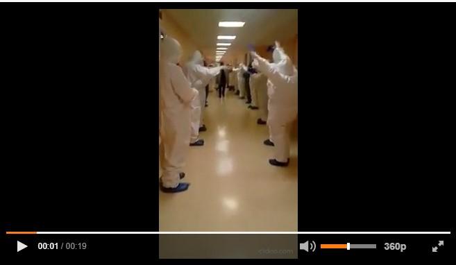 A Bari guarisce il primo paziente Covid: Applausi dei medici mentre lascia l