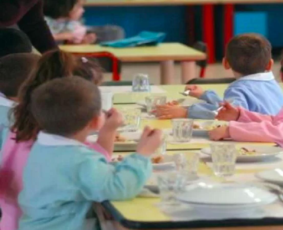Ha avvelenato 25 bambini con nitrato di sodio : Condannata a morte la Maestra d