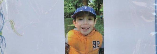 Milano, il piccolo morto a scuola: due maestre e una bidella indagate per omicidio colposo