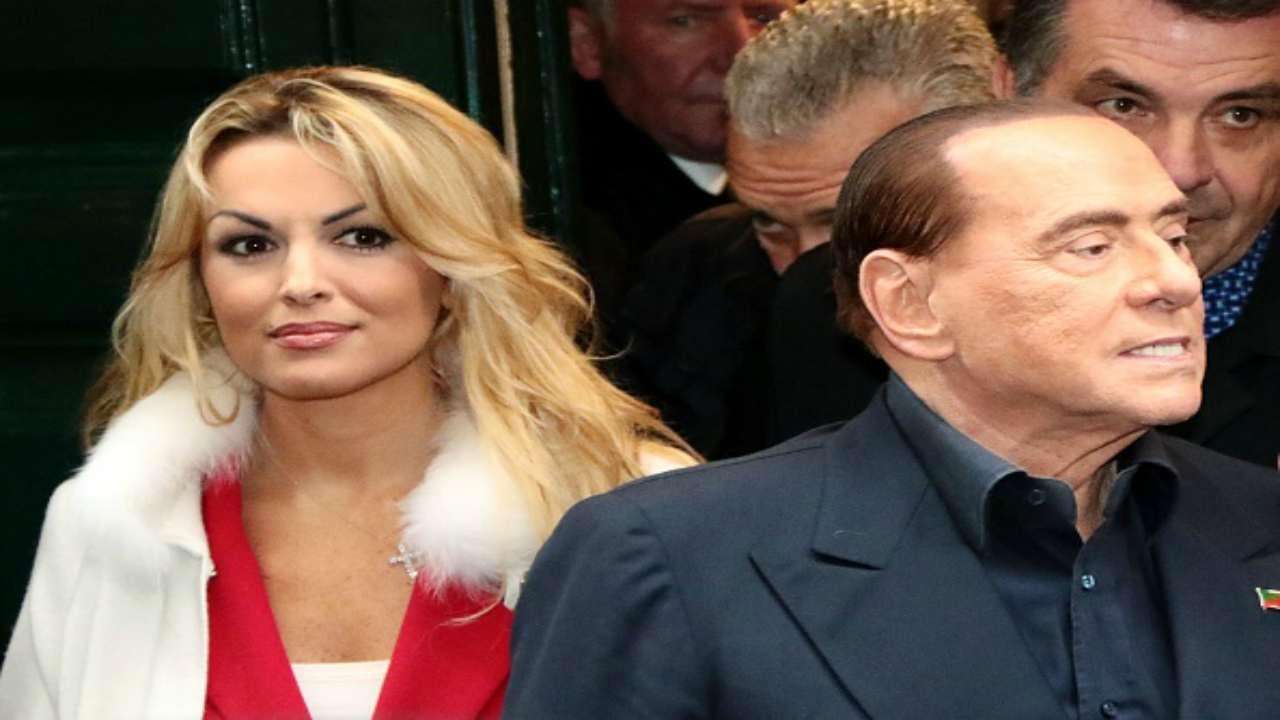 75 milioni di euro! Quanti milioni ha speso Berlusconi per le sue donne