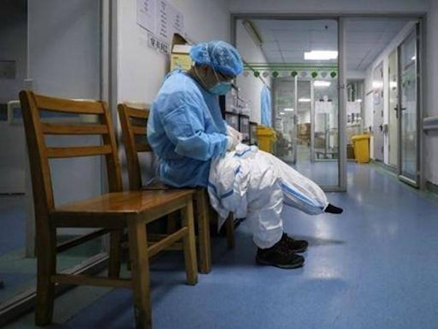 Coronavirus, scappa da ospedale dove è in quarantena e torna a casa