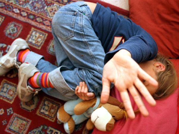 Per mesi abusa di 12 bimbe a scuola : Il bidello condannato a 42 anni