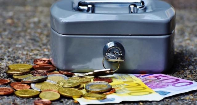 Chi paga i debiti della persona defunta? Tutto quello che bisogna sapere