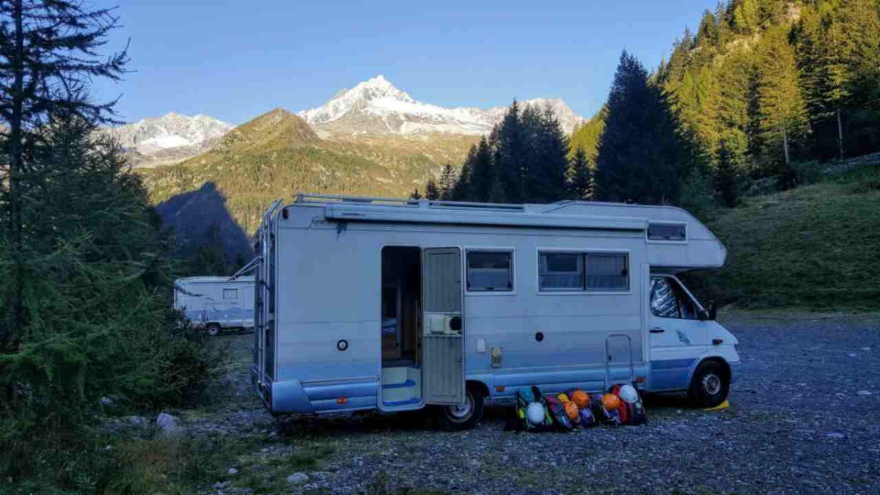 Viaggiare in camper verso la libertà: le cose da portarsi assolutamente