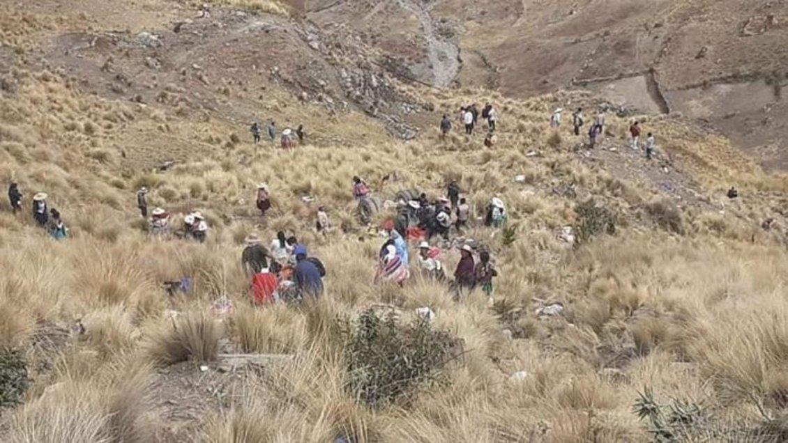 In Bolivia autobus in burrone : 23 morti