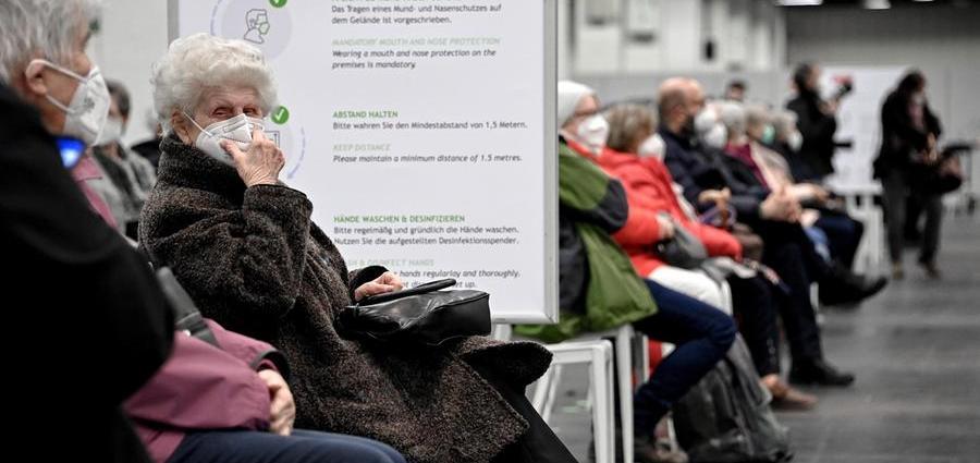 Covid-19, oltre 106,9 Mln di casi : In Italia 422 vittime nelle ultime 24H