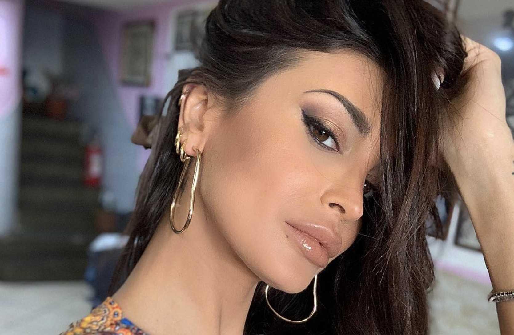 Cristina Buccino super sexy : Una bellezza unica