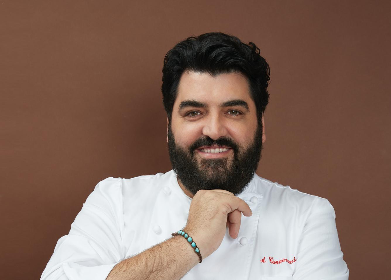 Antonino Cannavacciuolo : Apro il mio ristorante perché devo far lavorare 200 persone