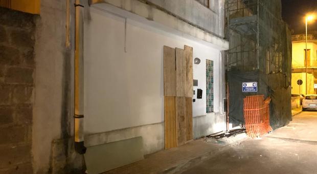 Bomba carta davanti allo studio del sindaco di Soleto