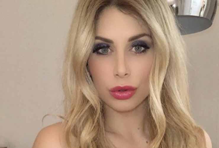 Paola Caruso : La sexy anteprima del calendario hot