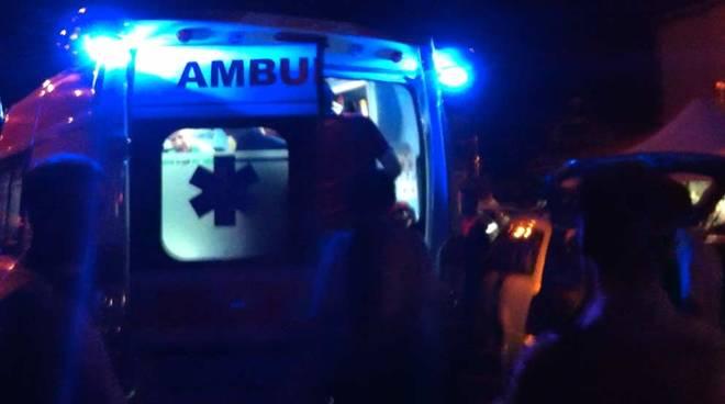 Tragedia a Capodanno A7, auto si schianta sul guard-rail: un morto e tre feriti
