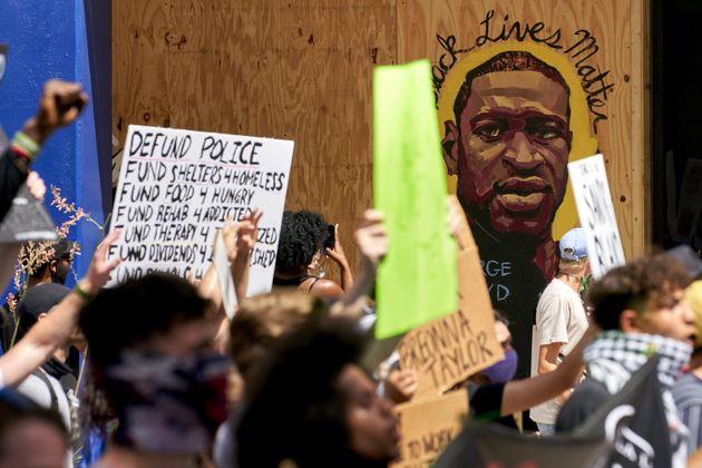 Dichiarazione del World Peace Council sulle proteste negli Stati Uniti per l'omicidio di George Floyd