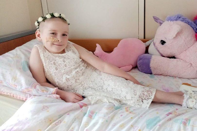 """A soli 8 anni muore di cancro: per i medici aveva solo """"dolori della crescita"""""""