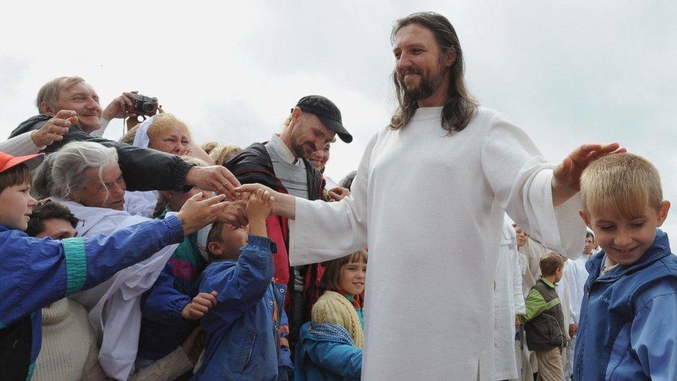 Sono Gesù reincarnato! Sergei Torop, arrestato in Russia il leader setta