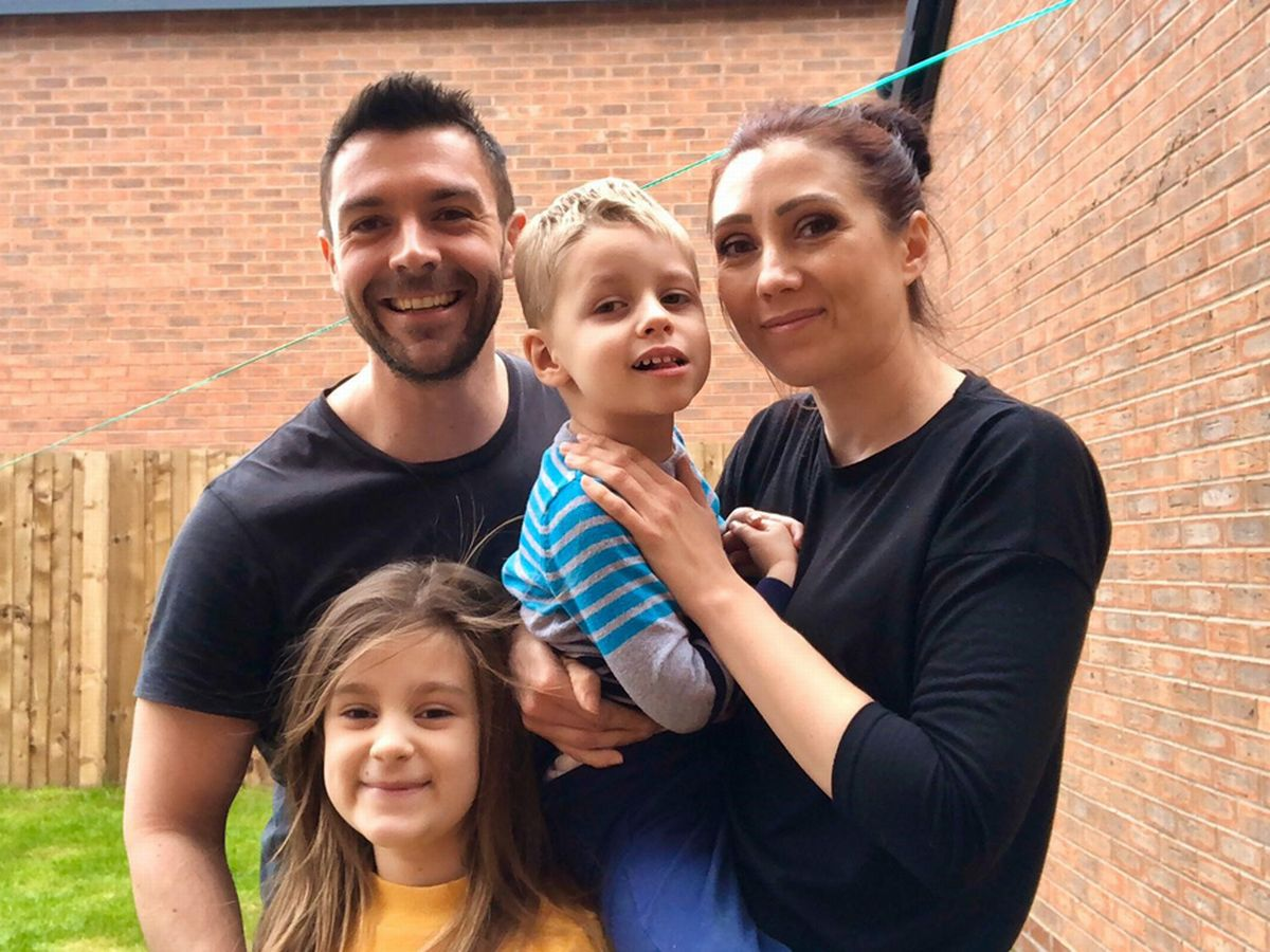 Il piccolo Xander : Malato di cancro a 3 anni è costretto alla quarantena isolata