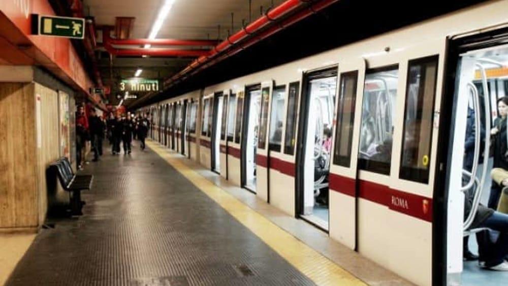 Metro A Roma : donna morta investita da un treno a Ponte Lungo
