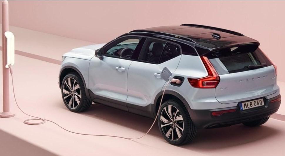 Volvo XC40 Recharge, 100% elettrica. Come averla con formula Noleggio a Lungo Termine