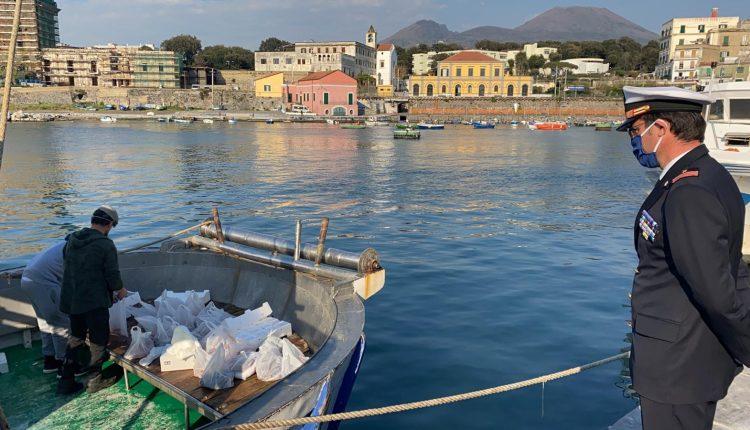 Coronavirus : i pescherecci donano il pesce alle famiglie povere