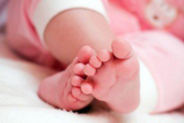 Roma, la piccola Ilaria nasce nel parcheggio della clinica