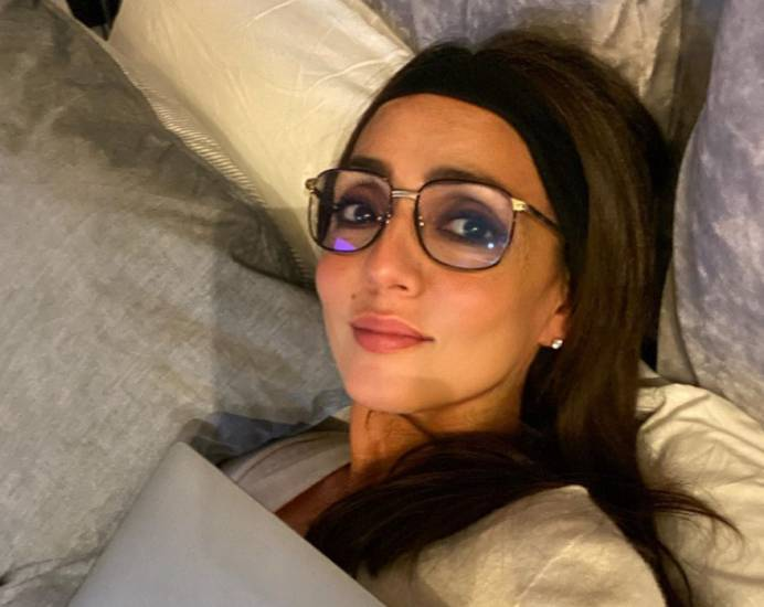 Sei noiosa... Ambra Angiolini presa di mira durante una diretta Instagram