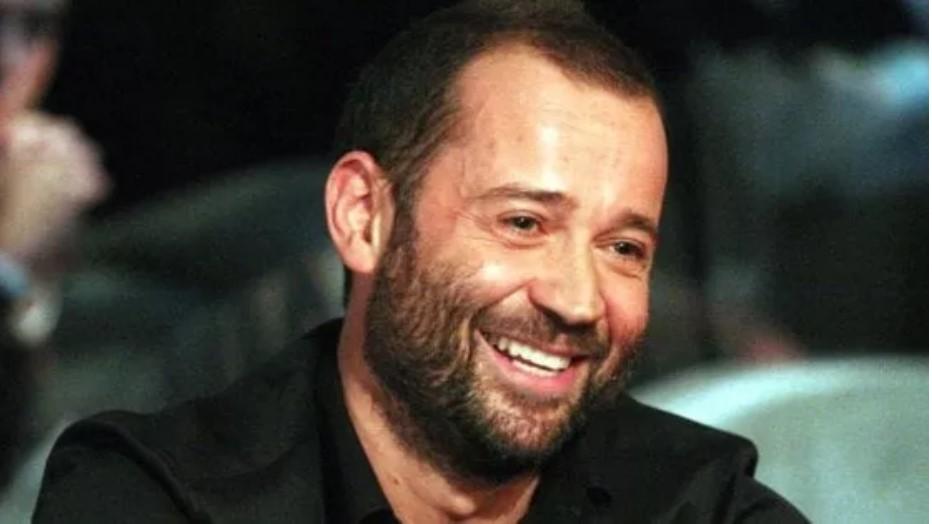 Matteo Salvini al citofono ... Fabio Volo : Vai a suonare ai camorristi se hai le palle