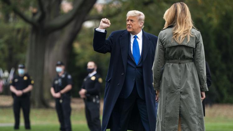 Donald Trump : Anche Melania gli chiede di accettare la sconfitta