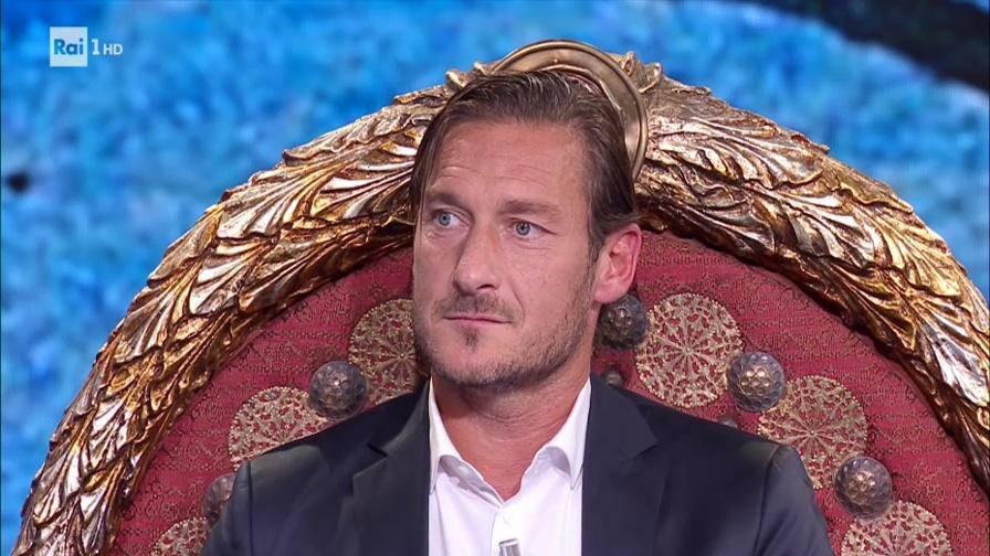 Francesco Totti è ben dotato! La rivelazione scottante sul capitano