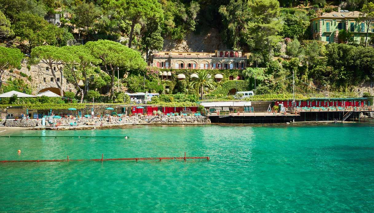 Cade da balcone hotel a Paraggi : morto turista Usa
