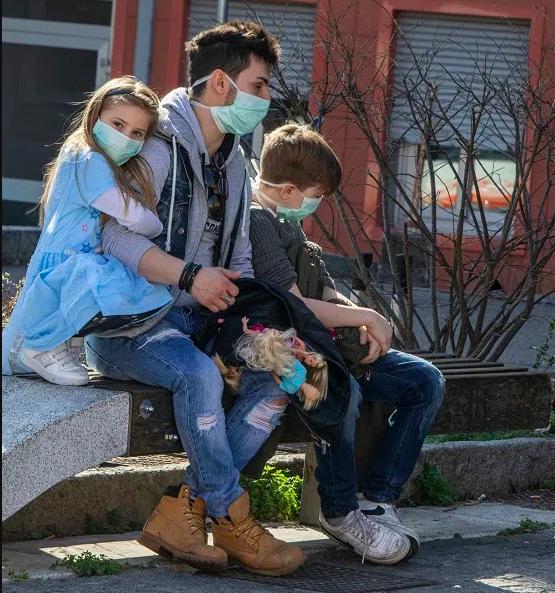 Coronavirus, quando possono uscire i bambini?