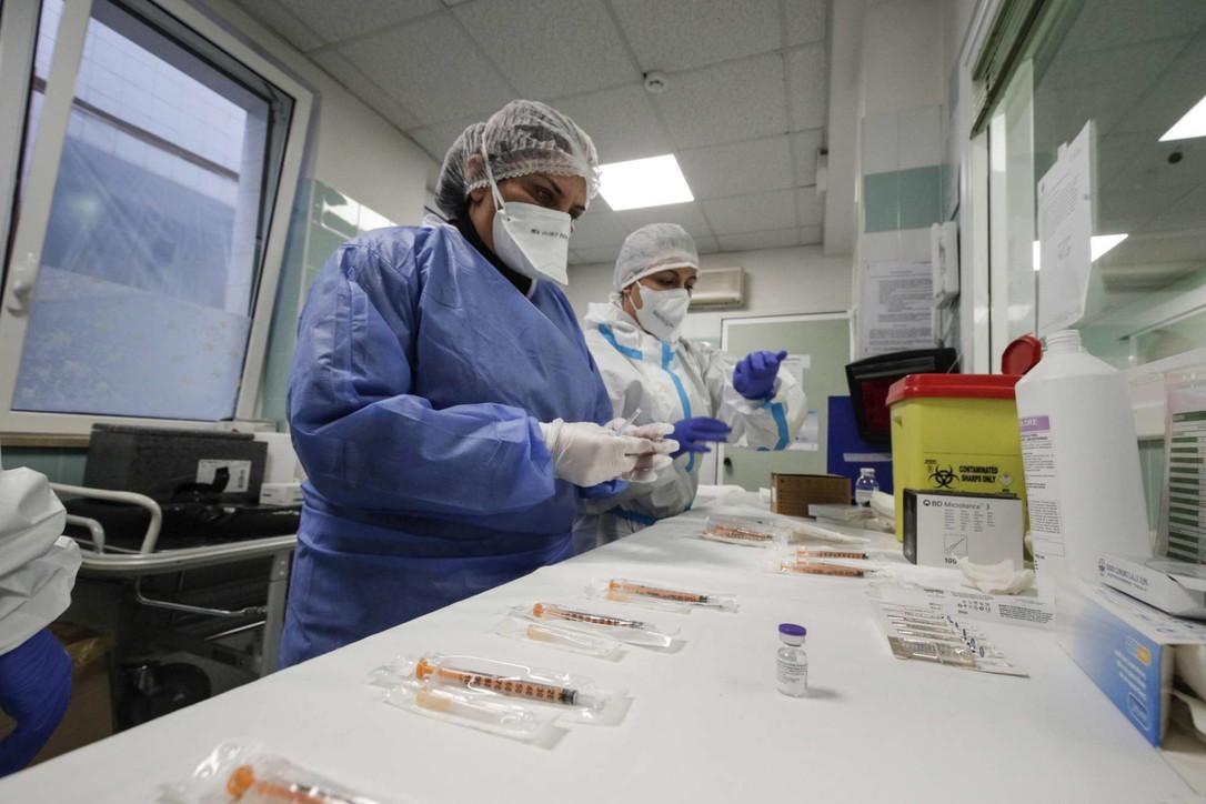 Covid -19, nuovo decreto dal 7 al 15 Gennaio : Oltre 150mila vaccinati in Italia