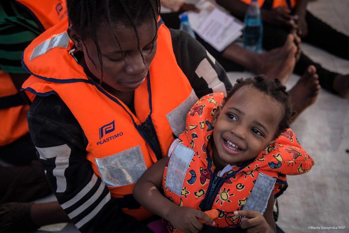 ResQ, la nave italiana salva migranti ha bisogno di soldi