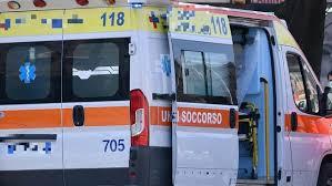Era sulla sua bici : bimbo di quattro anni muore investito dallo scuolabus