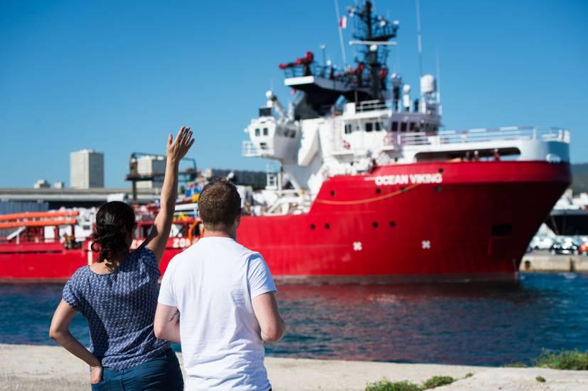 Ocean Viking a Pozzallo: 274 migranti in quarantena