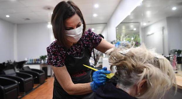 Nuovo DPCM 2 Novembre : cosa succede a parrucchieri e centri estetici