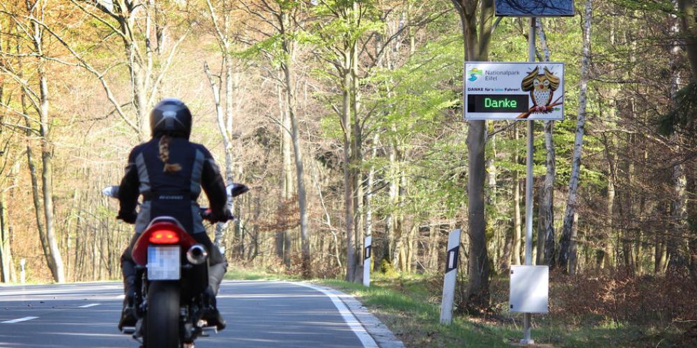 La libertà di comunicare mentre guidi la moto: interfono bluetooh per il casco
