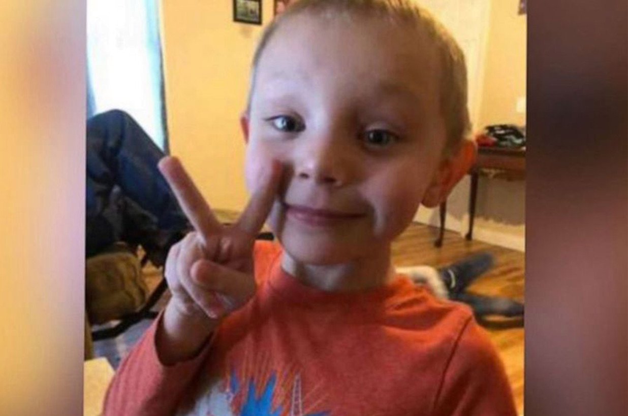 Il piccolo Beau scompare a 5 anni il giorno di Natale: trovato morto in uno stagno