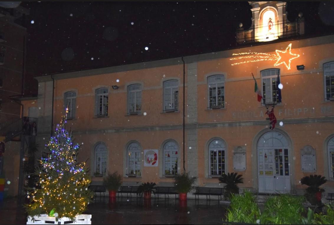 In vista del Natale grande attività dai Fratelli Cristiani a Massa e nessun caso di covid nella grande scuola