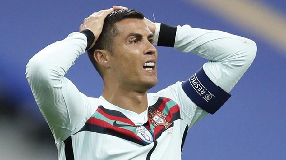Cristiano Ronaldo positivo al coronavirus: senza sintomi e in isolamento