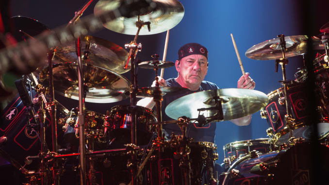 Morto Neil Peart batterista dei Rush : Il mondo della musica in lutto