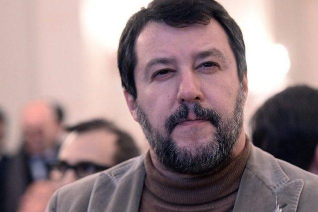 Matteo Salvini indagato per 35 voli di Stato illegittimi